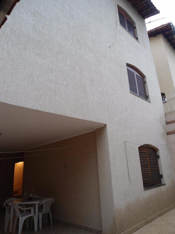 Casa / Sobrado à Venda - Vila Galvão