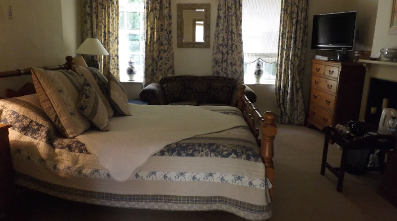 Cosy Rooms In Norfolk | Holland House B&B