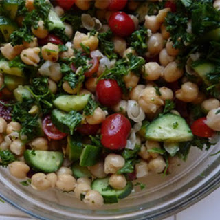 Chickpea Salad with Sun-Dried Tomatoes