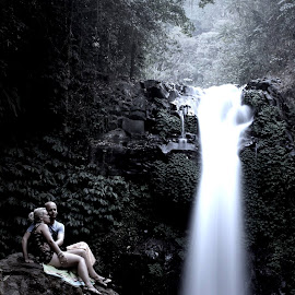 martin and marlies honeymoon pict by me by Mirza Nurman - People Couples