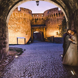 O&M by Vlada Jovic - Wedding Bride & Groom ( love, wedding, castle, photoshoot, bride and groom, bride, photography )