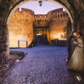 O&M by Vlada Jovic - Wedding Bride & Groom ( love, wedding, castle, photoshoot, bride and groom, bride, photography )