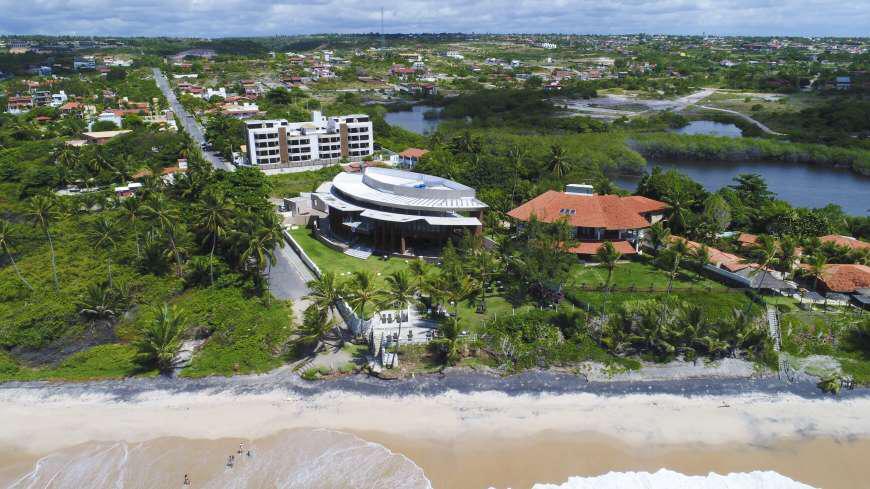 Apartamento com 2 dormitórios à 50 metros do mar, venda, 55 m² por R$ 330. - Tabatinga - Conde/PB