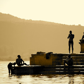 Ganges Bath by Sloane Sheldon - People Street & Candids