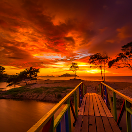 Under the red sky by Dany Fachry - Landscapes Beaches