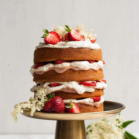 Strawberry and Elderflower Curd Layer Cake