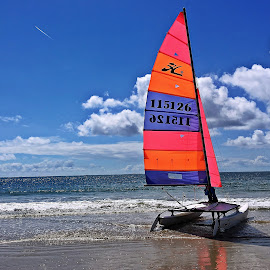 Barca pe valuri by Dobrin Anca - Instagram & Mobile iPhone ( sky, sea, france, boat, sun )