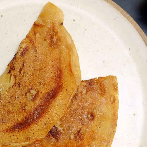 Vellai Dosa Recipe (Sweet Jaggery Dosa Recipe)