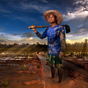 Farmer by Jeerasak Chaisongmuang - People Portraits of Men