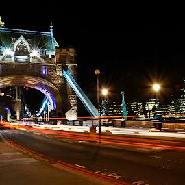 Castle Bridge, London by Diego Alves - City,  Street & Park  Night ( london, street, castle, bridge, city )