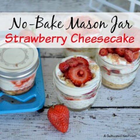 No-Bake Mason Jar Strawberry Cheesecake