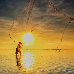 Maxi by Hendri Suhandi - People Portraits of Men ( bali, men, fisherman )