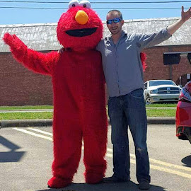 Daddy in sunglasses and Elmo by Aaron Buck - People Family