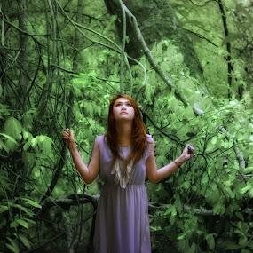 ditengah hutan  by Andika K Wardana - People Fashion