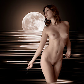 by Xavier Wiechers - Digital Art People ( model, moon, reflection, nude, fine art, beauty, glow, vancouver, caucasian, pose, gorgeous, woman, light, bare, tall, british columbia, canada, beautiful, white, sienna hayes, thoughtfull, young, classy, blonde, female, gaze, drops, ripple, brown, brunette )