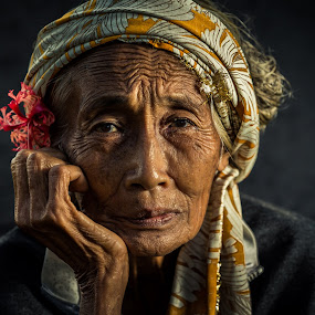 Old Lady From Tegalalang by JNJ PhotoStream - People Portraits of Women ( canon, bali, old lady, tegalalang, canon 1dx )