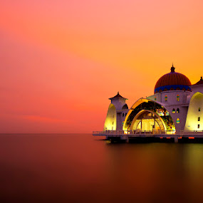 Masjid Selat Melaka by Justin Ng - Landscapes Waterscapes ( justin ng photo, floating mosque, mosque, sunset, masjid selat melaka )