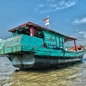 by Farizal Syarifudin - Transportation Boats