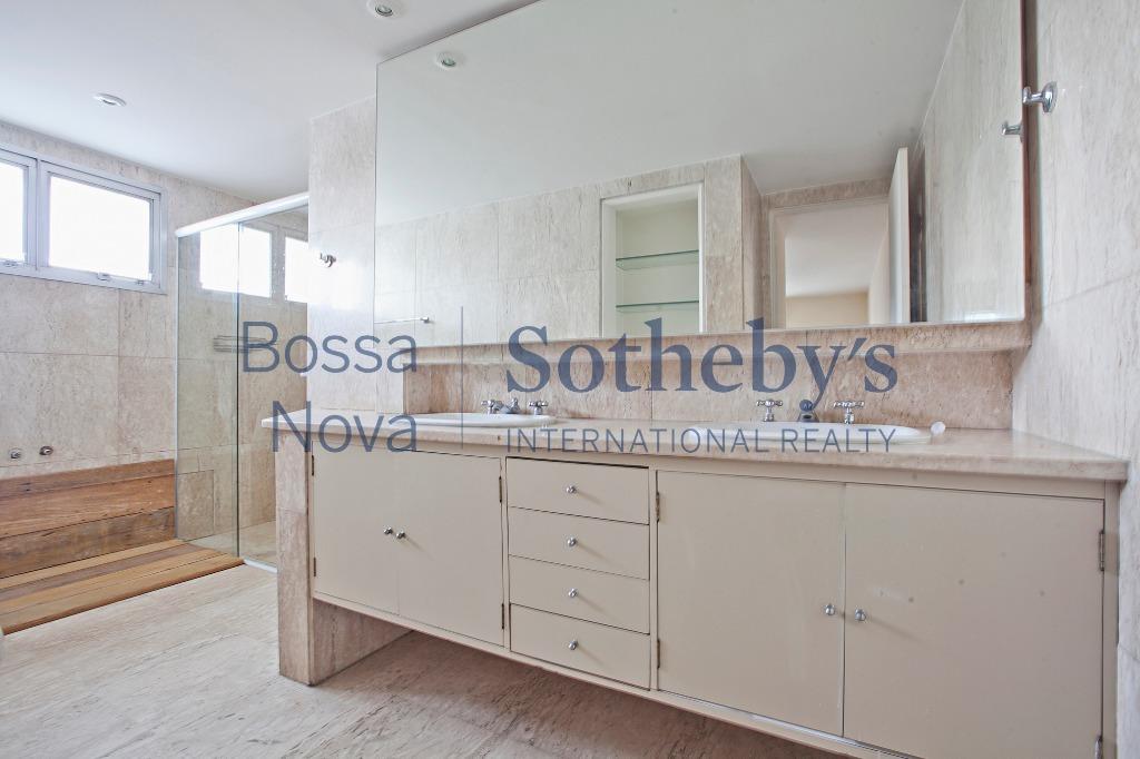 Apartamento fantástico para aluguel no coração do Itaim Bibi.