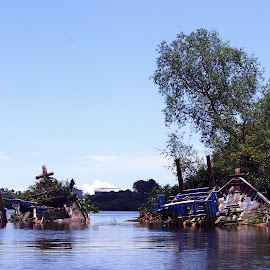 Broken Boat by Mulawardi Sutanto - Transportation Boats ( sekura, sambas, travel, kalimantan, boat, river )