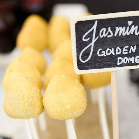 Golden Dome Oreo Truffle Pops