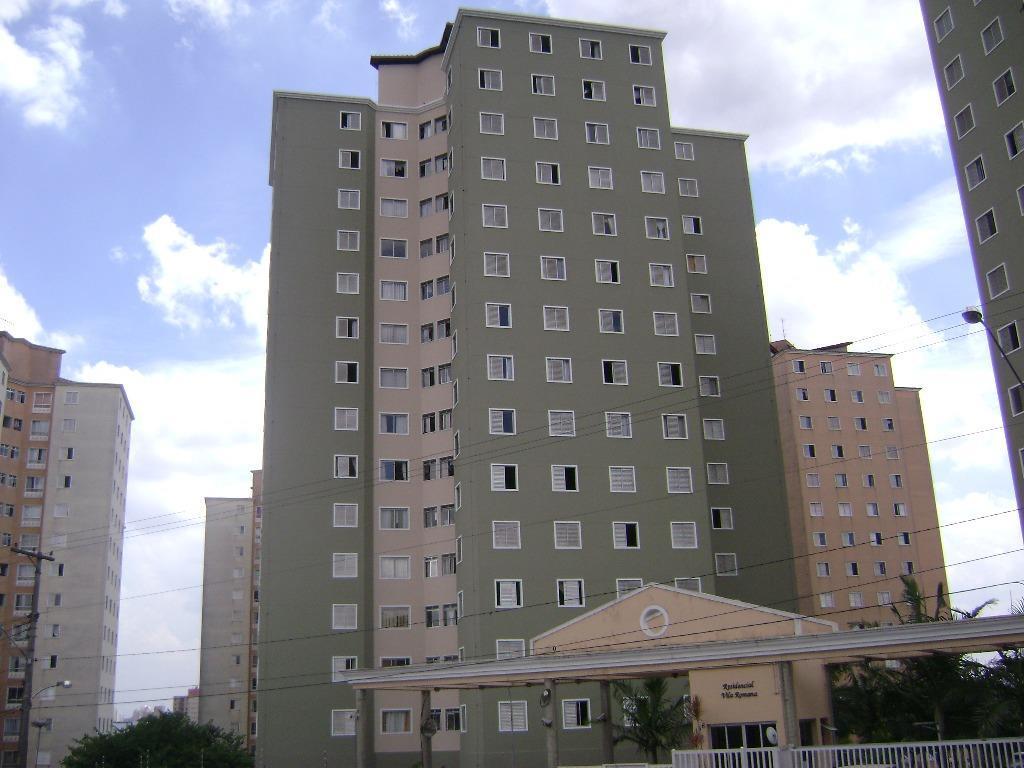 Apartamento com 3 dormitórios à venda, 60 m² por R$ 275.000