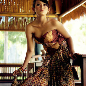 Pesona Batik Indonesia by Joseph Basukarno - People Fashion ( fashion, batik, indonesia )