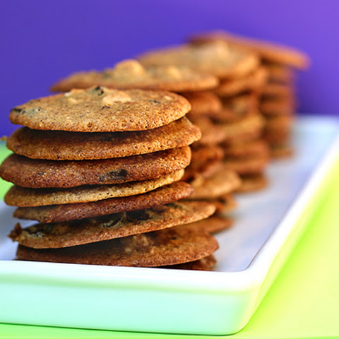 Recipe for Thin and Crispy Almond Chocolate Chip Cookies
