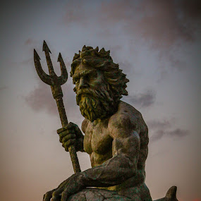 King Neptune by Christine Weaver-Cimala - Buildings & Architecture Statues & Monuments ( hilton, bronze, landmark, sculpture, park, neptune, virginia, ocean, atlantic, king )