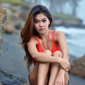 Manyar Beach by Hendri Suhandi - People Portraits of Women