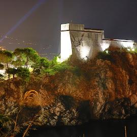 St Lawrence Fort by night, Dubrovnik by Daniel Jagar - Buildings & Architecture Public & Historical ( fort lovrijenac, croatia, nightlife, night, nightlight, dubrovnik, st lawrence fort, dubrovnik's gibraltar )
