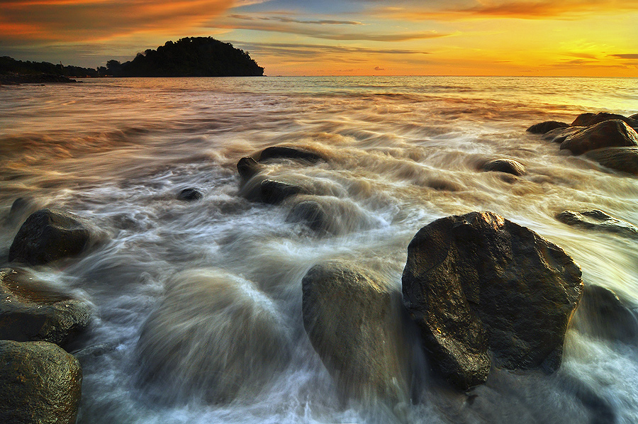 Taplau,... Another Side by Ronee SutanMaharajo - Landscapes Waterscapes