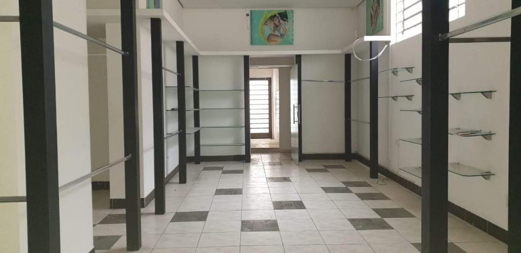 Loja para alugar na Rua do Mercado, 138 m² por R$ 7.990/mês - Centro - Bragança Paulista/SP