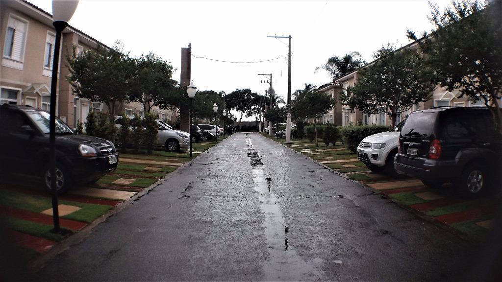 Sobrado à Venda - Parque Renato Maia
