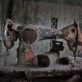 mesin jahit by Wartono Wartono - Artistic Objects Still Life