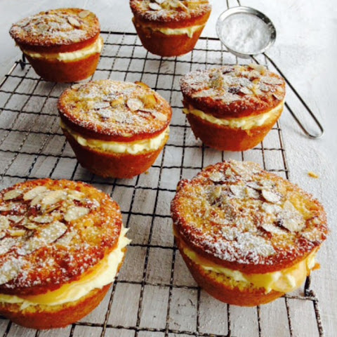 Lemon Cakes with Mascarpone and Lemon Curd
