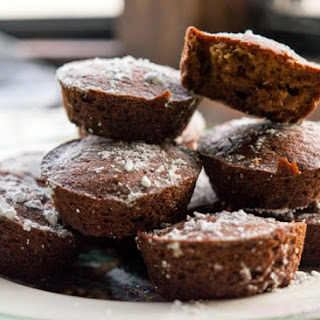Skinny Gingerbread Muffins