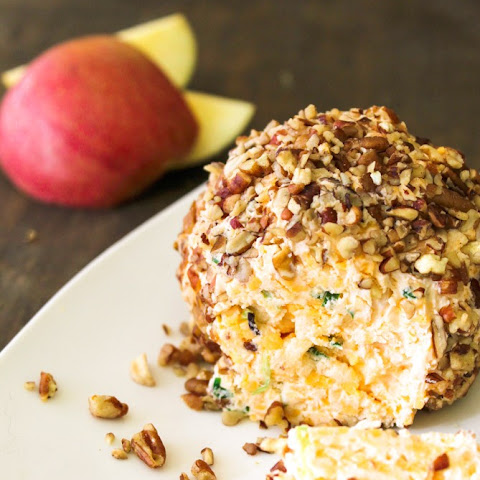 Apple Pecan Cheese Ball