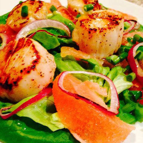 Scallops and Grapefruit Salad