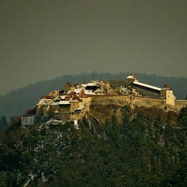 Rasnov Castle by Agatanghel Alexoaei - Buildings & Architecture Public & Historical