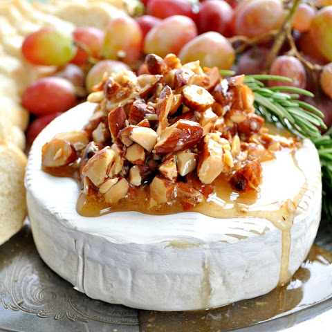 Brie+cheese+with+honey+and+almonds Recipes | Yummly