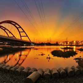 sunset on SaiGon river by Nguyen Nhat - City,  Street & Park  Night ( sunset, asia, long exposure, vietnam, landscape, sunlight, river,  )