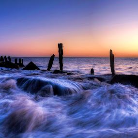Dawn waves by Keith Britton - Landscapes Waterscapes ( england, dawn, yorkshire, spurn, waves, seascape, sunrise, surf )
