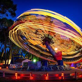 ... ma daj......... ma daj okreni.....taj ringišil u mojoj glavi.... by Zarko Piljak - City,  Street & Park  Amusement Parks