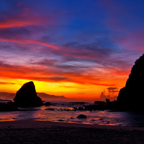 Papuma at dusk by Andy R Effendi - Landscapes Waterscapes (  sunrise,  indonesia, papuma )