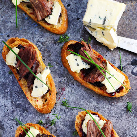Short Rib Crostini with Cambozola Cheese and Cherry Jam