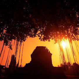 #Sunset #candimendut Jl. Mayor Kusen, Kota Mungkid, #Magelang, #JawaTengah by Budi Awan - Buildings & Architecture Public & Historical (  )