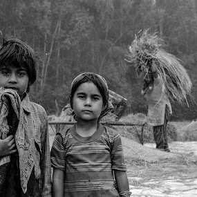 they are waiting for there mom! by Divnoor Buttar - Babies & Children Children Candids ( childern, cute baby, poverty, indianpoverty, childhood )