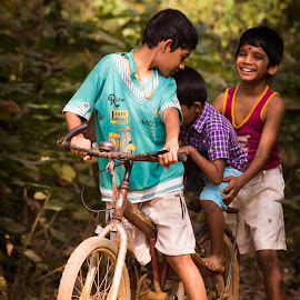 Kids Playing with bicycle in summer vacation by Veerendra Prabhu - People Street & Candids ( playing, enjoyment, kidsofsummer, happiness, kids, fun )