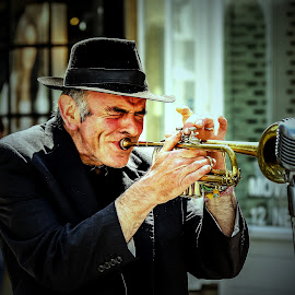 Street performer by Mandy Hedley - People Musicians & Entertainers ( muscian, street, trumpet, entertainer, man )